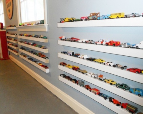 storage for toy race cars