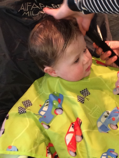 babies 1st hair cut