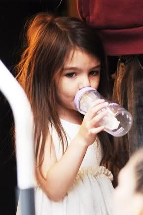 suri cruise drinking a bottle until she was 4